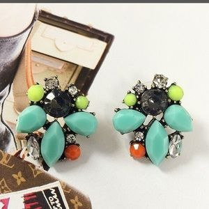 Stella & Dot Retired Naomi Cluster earrings